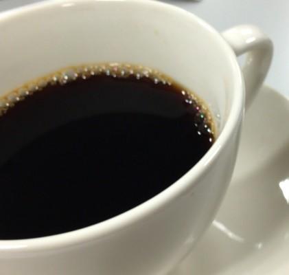 コーヒー(誠光社のランベルマイユ・ブレンド。コクはあるけどすっきりしたあと味)